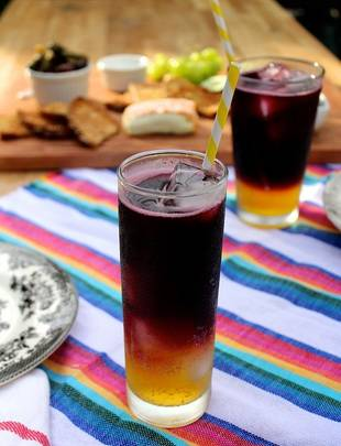 Try These Clementine and Red Wine Spritzers at Your Next Summer Picnic!
