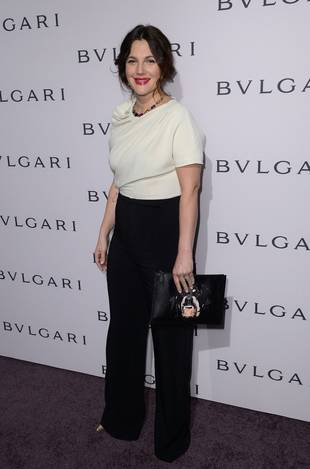 """Drew Barrymore on How Her Family Life Is Different From Her """"Wacky Upbringing"""" (VIDEO)"""