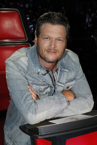 Blake Shelton Talks The Voice Season 4 Country Advantage, Predicts the Winner! (VIDEO)