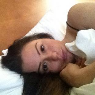 JWOWW Goes Makeup-Free in Sexy Bedtime Selfie (PHOTO)