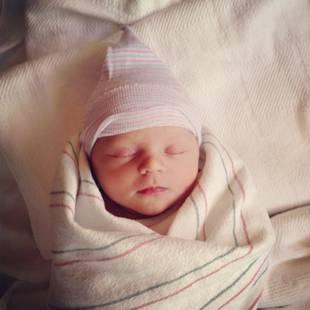 Olympian Amanda Beard Gives Birth! Meet Baby Girl Named… (PHOTO)