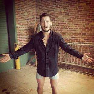 Val Chmerkovskiy Goes Pantless With Karina Smirnoff (PHOTO)
