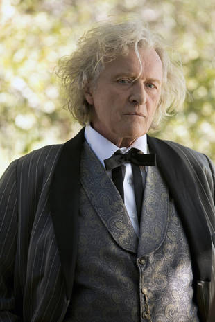 "True Blood Spoilers: Rutger Hauer's Character Helps Sookie ""a Little Bit"""