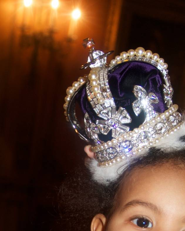 Beyonce Posts New Pictures of Blue Ivy Carter: Who's the Queen Now? (PHOTOS)