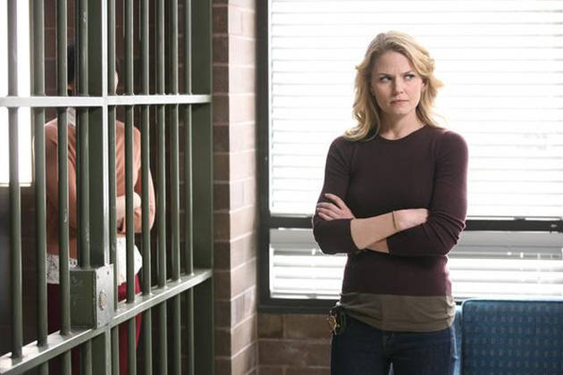 Once Upon a Time Season 3: Will Emma Hook Up With [SPOILER]?