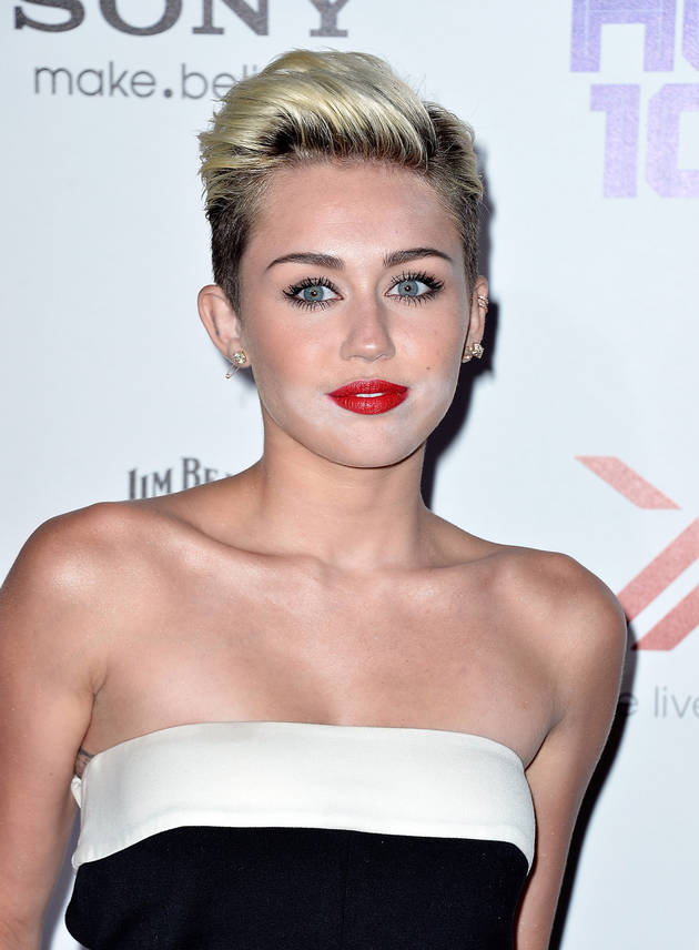 Miley Cyrus, Liam Hemsworth Fighting Over Her Sexy Image: Report