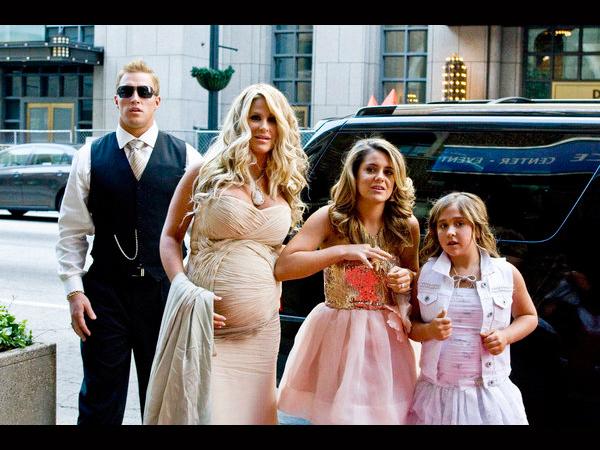 Kroy Biermann Heads to Court to Adopt Kim Zolciak's Daughters (VIDEO)