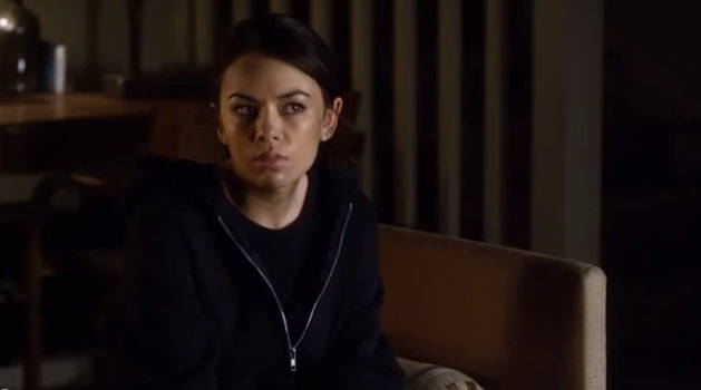 Pretty Little Liars Season 4: Can the Liars Trust Mona? 3 Reasons Not To