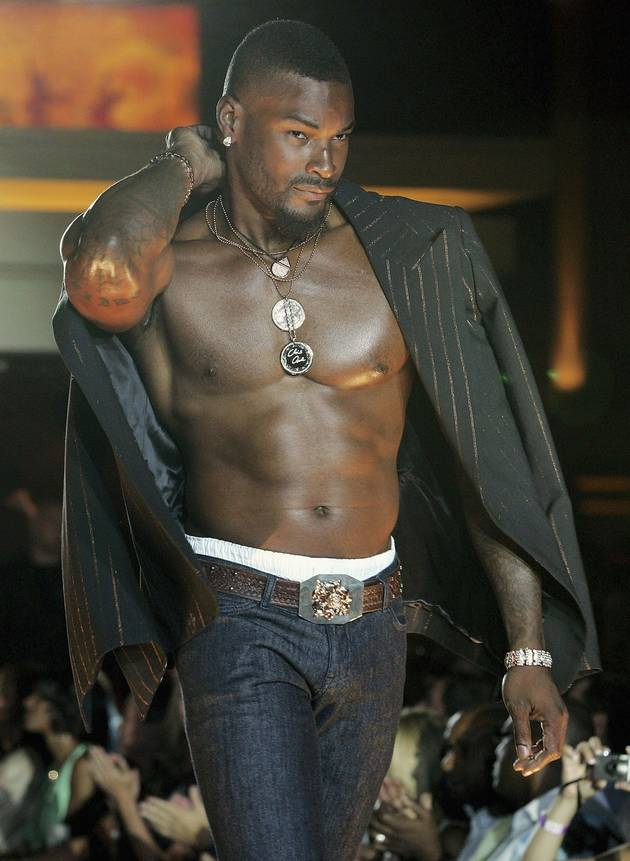 Tyson Beckford Gets Naked — For a Good Cause!