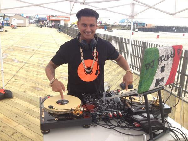 Pauly D Invites Chad From World of Jenks on Stage During DJ Set (VIDEO)