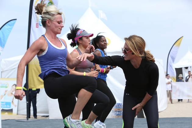 Jillian Michaels Gets in Shape With Fans! (PHOTO)