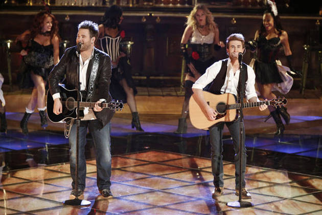 "The Swon Brothers Sing ""Wagon Wheel"" on The Voice 2013 Live Shows, June 3 (VIDEO)"