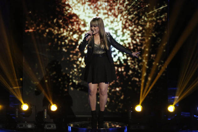 "Amber Carrington Sings ""Firework"" on The Voice 2013 Live Shows, June 10 (VIDEO)"
