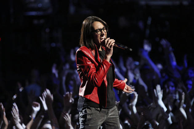 "Michelle Chamuel Sings ""I Knew You Were Trouble"" on The Voice 2013 Finale, June 17 (VIDEO)"