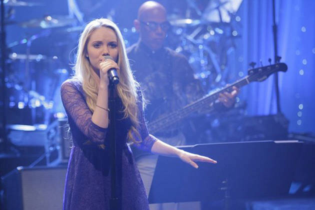 Danielle Bradbery Has an Angelic Photoshoot Post-Voice Win (VIDEO)