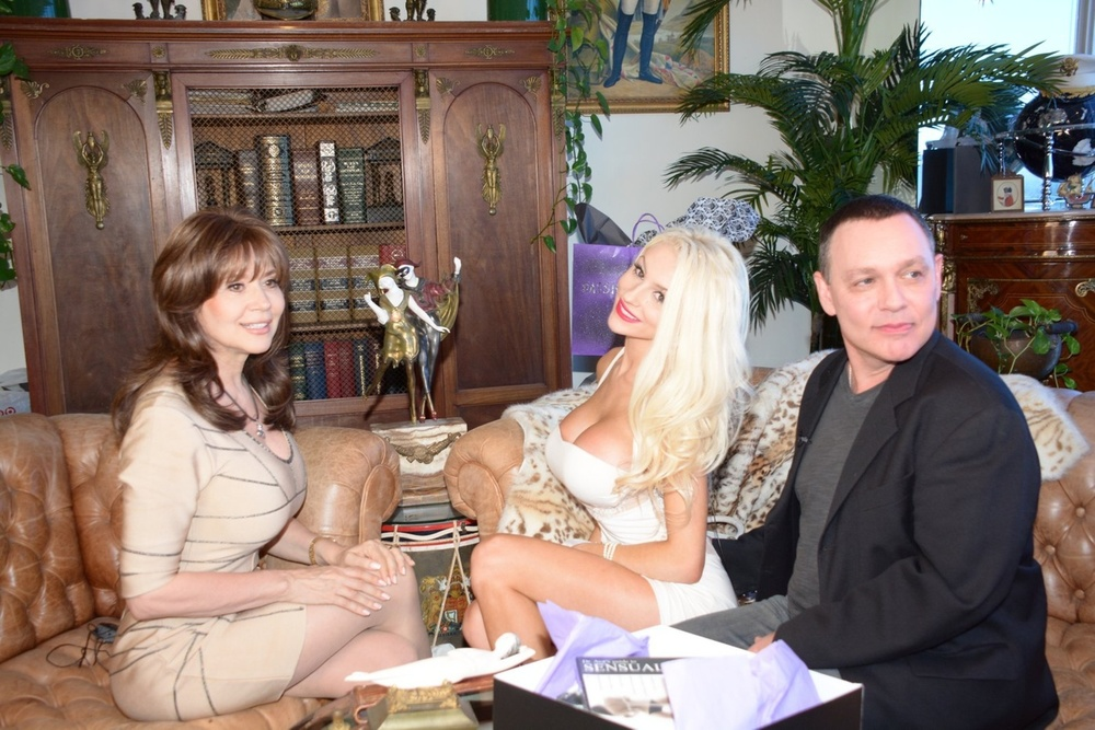 "Courtney Stodden Releasing ""Sex Tape"" With Husband Doug Hutchinson (PHOTOS)"