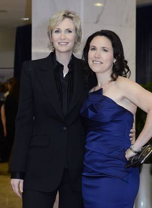Glee Star's Marriage Over: Jane Lynch Officially Files For Divorce
