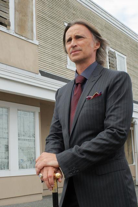 Once Upon a Time Season 3: Will Gold Play Nice? Robert Carlyle Says…