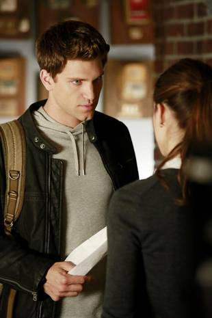 "Pretty Little Liars Season 4: Toby Is ""[SPOILER]"""