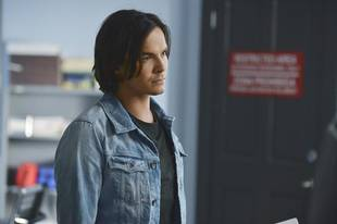 Pretty Little Liars Season 4 Winter Premiere: Is Caleb Sticking Around Rosewood?