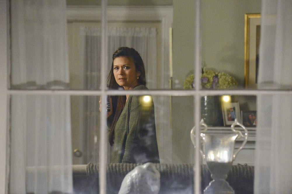 Pretty Little Liars Season 4, Episode 7 Promo: 9 Things We Learn (VIDEO)