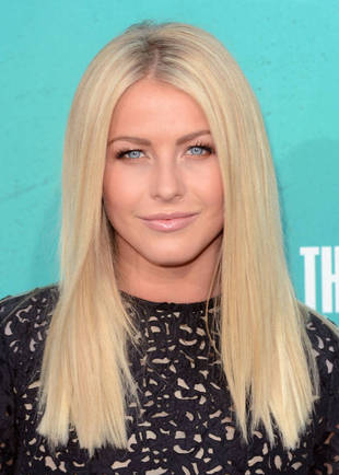 Julianne Hough Kisses Mystery Man at Nobu in Los Angeles! (PHOTOS)