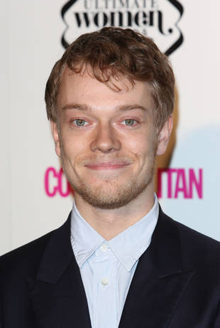 "Game of Thrones' Alfie Allen Talks Nudity: ""I'm Fine About It"""
