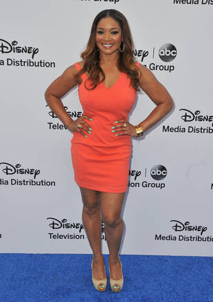 "Tamala Jones Wants ""Steamy Romance"" For Lanie and Esposito"