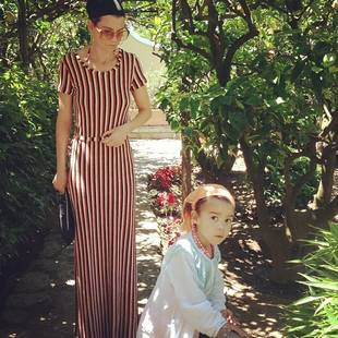 Grey's Anatomy's Ellen Pompeo and Daughter Stella Hit the Pool: Summer Fun! (PHOTO)
