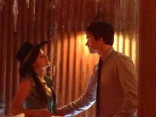 Pretty Little Liars Spoilers: Ezra and Aria Get Closer on Season 4 Hoedown Episode (PHOTO)