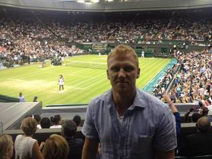 Grey's Anatomy Star Kevin McKidd Cheers on Andy Murray at Wimbledon 2013!