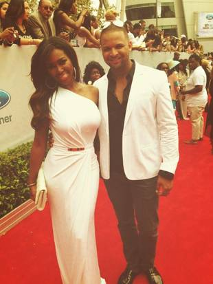 Kenya Moore Looks Super Skinny on BET Red Carpet (PHOTO)