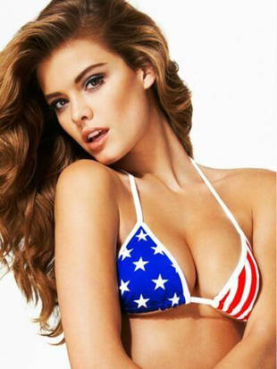 Adam Levine's Danish Girlfriend Nina Agdal Shows July 4th Spirit in Bikini! (PHOTO)