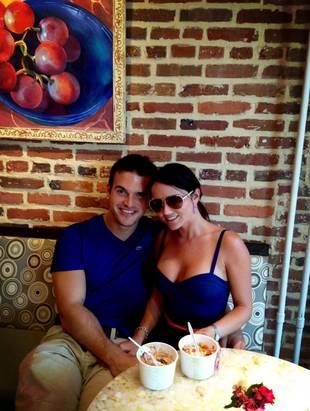 Brian Jarosinski Cuddles Up With Former Ex, Stephanie Larimore (PHOTO)