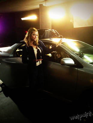 Pretty Little Liars Season 4, Episode 15 Spoiler: Hanna and Emily Behind the Wheel — Exclusive Photo