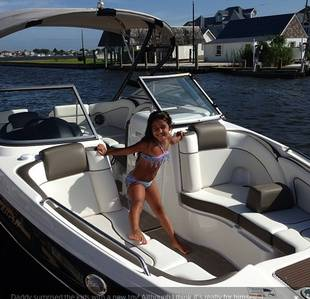 Melissa and Joe Gorga Buy New Boat (PHOTO)