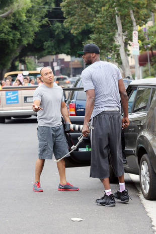 Lamar Odom Destroys Paparazzi's Gear in the Middle of Traffic! (VIDEO)