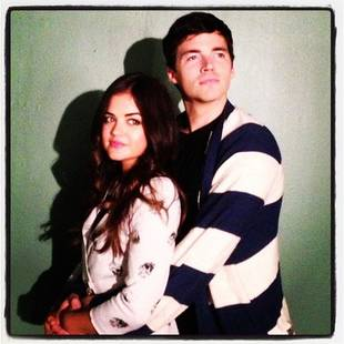 Pretty Little Liars Season 4 Winter Premiere: Ezria Gets Cozy by the Fire?