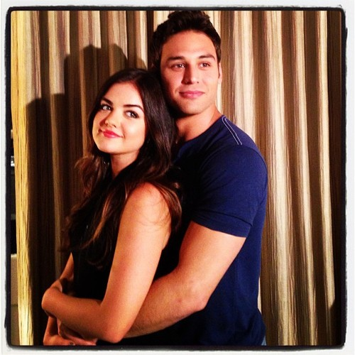 """Pretty Little Liars' Aria and Jake Pose for """"Prom"""" (PHOTO)"""