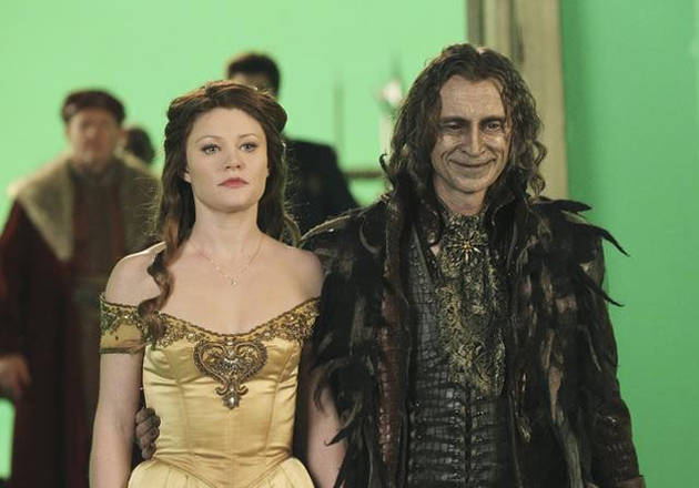 """Once Upon a Time Season 3 Spoilers: Belle and Rumple """"Will Meet Again"""" in Neverland"""