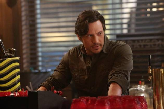 Revenge Season 3: Jack Porter Hits the Booze After Emily Thorne Reveals Her Identity