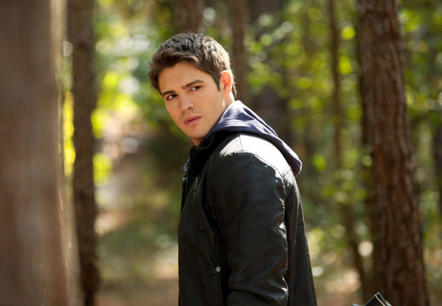 The Vampire Diaries Speculation: Is Jeremy Still a Vampire Hunter?
