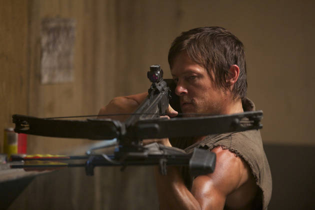 The Walking Dead Season 4 New Photo: Why Is Daryl Dixon Covering His Face?