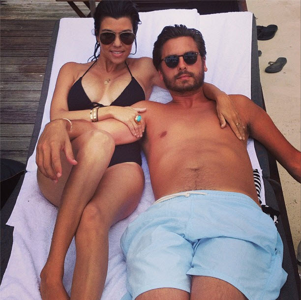 Kourtney Kardashian and Scott Disick Play With Kids in Pool (PHOTOS)