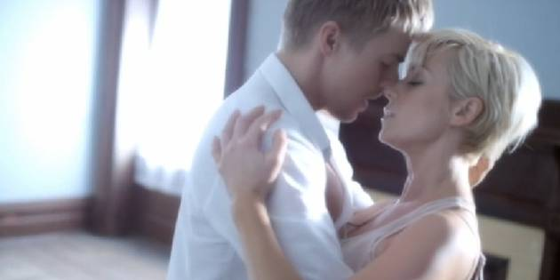 "Kellie Pickler on Getting ""Intimate"" With Derek Hough in ""Someone Somewhere Tonight"" Video"
