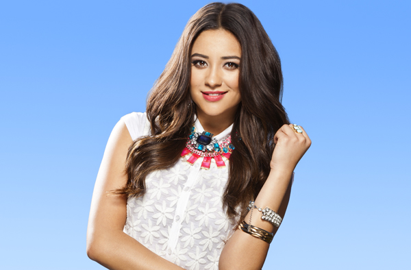 Pretty Little Liars' Shay Mitchell Rocks a Funky Afro! (PHOTO)