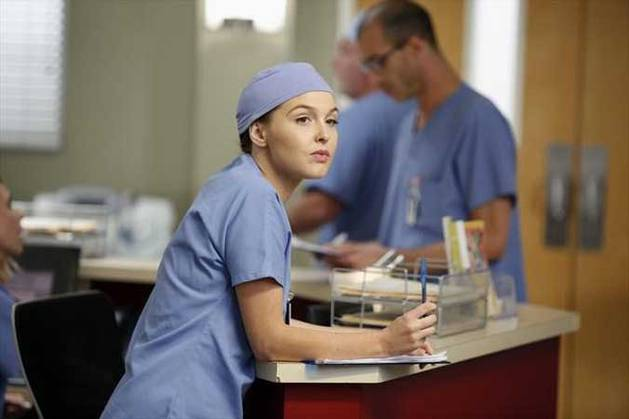 Grey's Anatomy Season 10 Spoilers: Jo Still Battered and Bruised in Premiere (PHOTO)