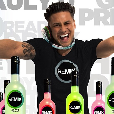 "Pauly D Shows Off New ""Tour Bus"" — And You'll Be Shocked by the Size! (PHOTO)"