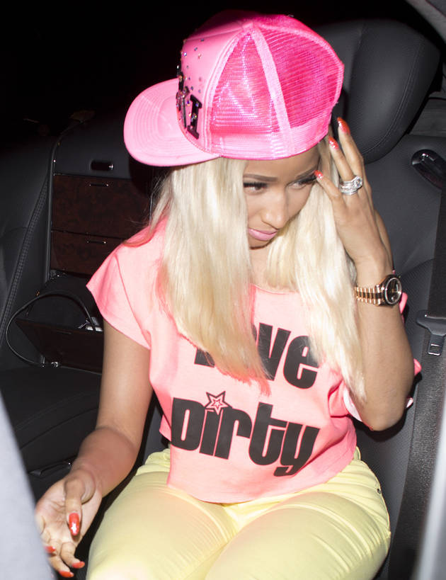 Nicki Minaj Shows Some Love for Pauly D, Wears His Shirt in Public! (PHOTO)