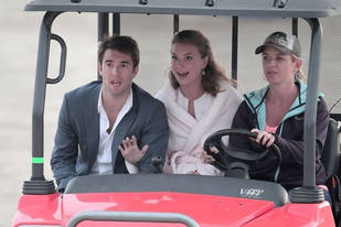 Revenge Season 3: Emily VanCamp and Josh Bowman's Romantic Beachside Scene (PHOTOS)